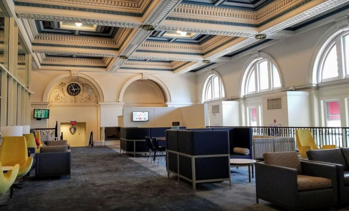Interior photo of Amtrak's luxurious Metropolitan Lounge in South Station in Boston.